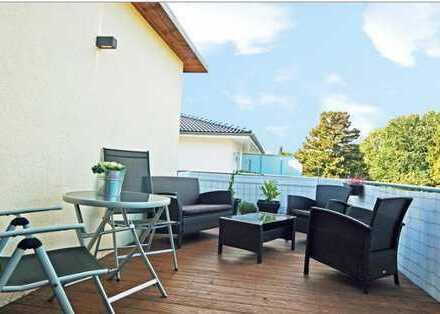 Freundliche, geräumige und neuwertige 2-Zimmer-Penthouse-Wohnung mit Balkon,Terasse und EBK in Lurup