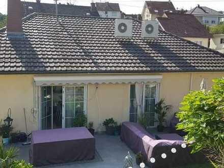 Grundsanierte Traum, 3ZKB - ca.145 m² Wohnung im 1.OG mit ca. 20 m² Terrasse und ca. 100 m² Gartenbe