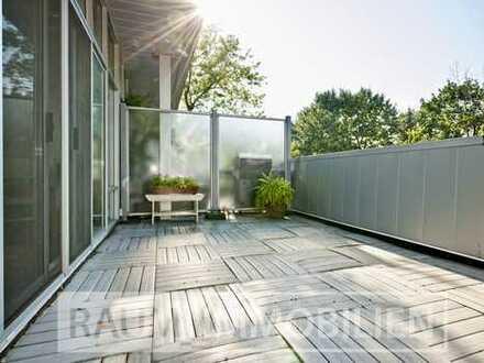 Sofort beziehbar und kernsaniert! Schöne 4 Zimmer-Wohnung mit Balkon und Garten