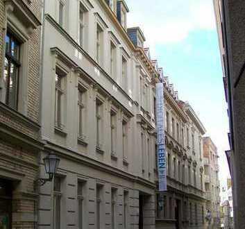 Höll-Immobilien vermietet schöne 3-Raumwohnung mit Balkon in der Bölbergasse 2.