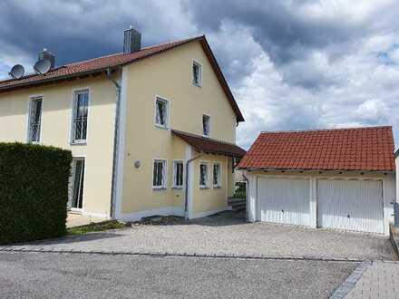 Kösching-Kasing, Doppelhaushälfte in ruhiger Wohnlage