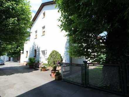 Provisionsfrei!!! Gepflegte Gewerbeimmobilie mit großem Grundstück und saniertem Mehrfamilienhaus