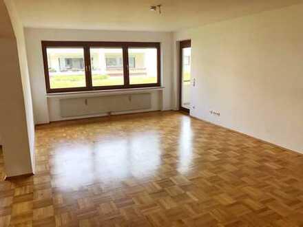 Schöne, geräumige fünf Zimmer Wohnung in Bochum, Südinnenstadt