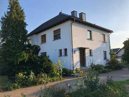 Großzügiges Einfamilienhaus mit großem Grundstück in Seligenstadt