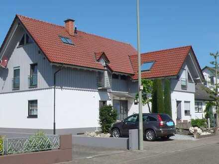 Individuelle 3 Zimmer-Maisonettewohnung mit zusätzlichem Büro