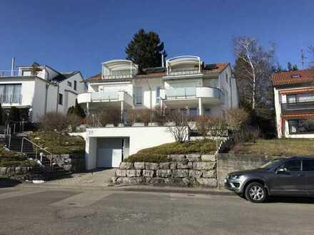 Schöne, geräumige fünf Zimmer Penthouse-Wohnung in Leinfelden-Oberaichen