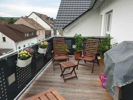 Neuwertige 3-Raum-Dachgeschosswohnung mit Balkon in Bingen am Rhein