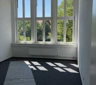 Erstbezug nach Sanierung - Ihr neues Büro in Berlin Tempelhof wartet auf Sie!