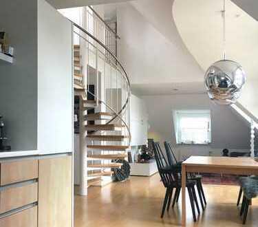 Loftartige, sehr helle 2,5-Zimmer-Maisonette-Wohnung in ruhiger Lage in München Solln