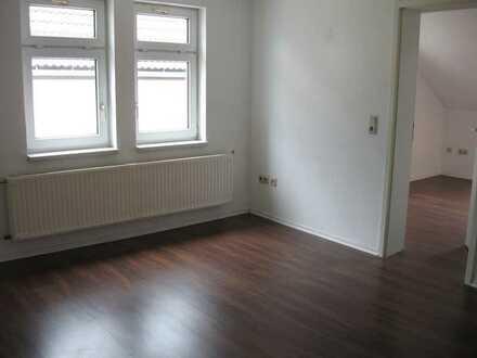 Gemütliche 2-Zimmer-Dachgeschosswohnung mit Einbauküche in Sonneberg-zuentrumsnah