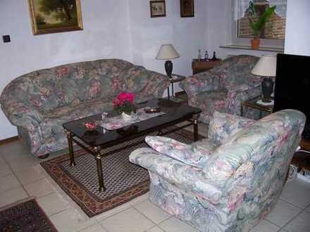 Freundliche möblierte 2,5-Zimmer-EG-Wohnung mit Terasse und EBK in KÖLN 73qm,480,-Eoro