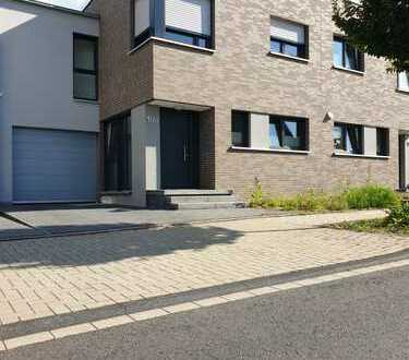 Schönes Haus mit fünf Zimmern in ruhgier Lage von Königsdorf