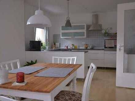 Gepflegte 3,5-Zimmer-Wohnung mit großem Balkon und offener Küche in Kämpfelbach-Ersingen