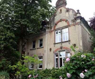 Schöne 5-Zimmer-Wohnung in denkmalgeschütztem Altbau in Hanau Rosenau, 2019 komplett saniert