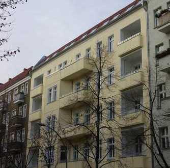 Gepflegte Altbauwohnung mit Balkon und Loggia zur Eigennutzung oder als Kapitalanlage