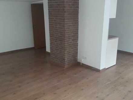 Vollständig renovierte Hochparterre-Wohnung mit zwei Zimmern und EBK in Bad König Odenwaldkreis