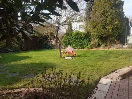 Gartenwohnung mit viel Charme, 130 qm, top saniert