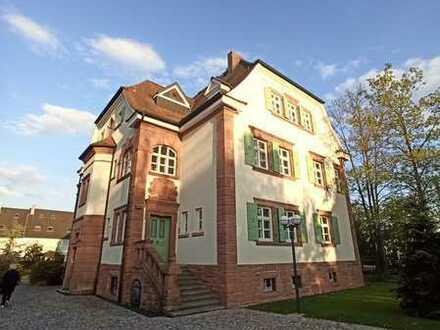 Helle, geräumige 3 Zimmer-Wohnung im alten Forstamt in Kleinwallstadt, Erstbezug nach Sanierung