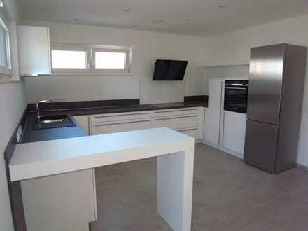 Erstbezug! - Doppelhaushälfte mit hochwertiger Einbauküche, Terrasse und Garage in Bad Wimpfen.