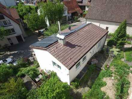 Einfamilienhaus mit separater Wohneinheit, Garten & Garage