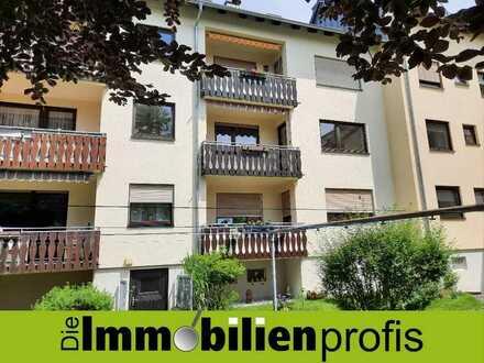 Renovierte 4-Zimmer-Wohnung mit Balkon in Rehau