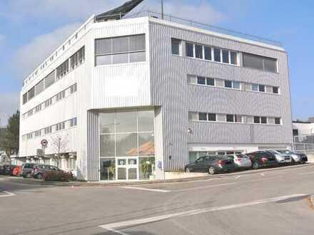 Gewerbekomplex mit Büros, Produktions-und Lagerflächen sowie Parkdeck für 41 KFZ