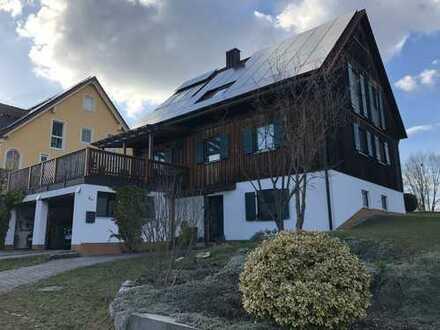 Attraktives und großzügig gebautes Hanghaus in Holzständerbauweise nordwestlich von Pfaffenhofen