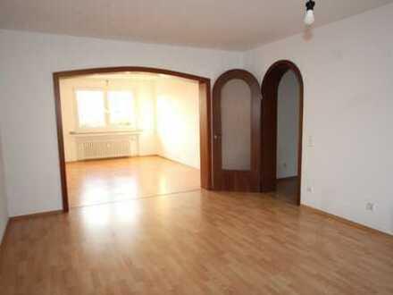 Essen-Fischlaken: Großzügige 2-Zimmer-Wohnung mit Balkon in gepflegtem 3-Familienhaus