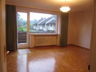 Gepflegte, ruhige 3-Zi.-Wohnung mit großem Balkon und EBK in Volksdorf, Hamburg