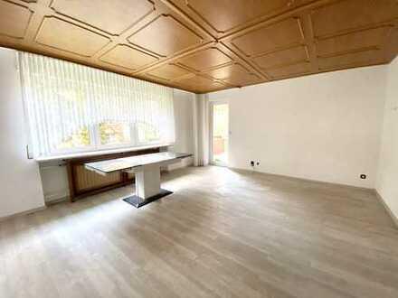 4 Zimmer-Wohnung mit Loggia in ruhiger Wohnlage von F-Schwanheim (EBK optional)