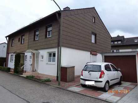 Schöne Doppelhaushälfte mit vier Zimmern in Fürstenfeldbruck (Kreis), Olching