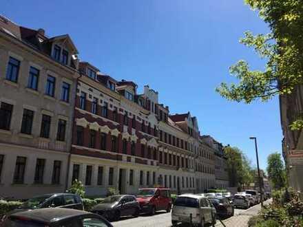 Bühlow-Viertel / MFH über 4,4% Rendite mit möglicher Steuerabschreibung zu verkaufen mit Hinterhaus