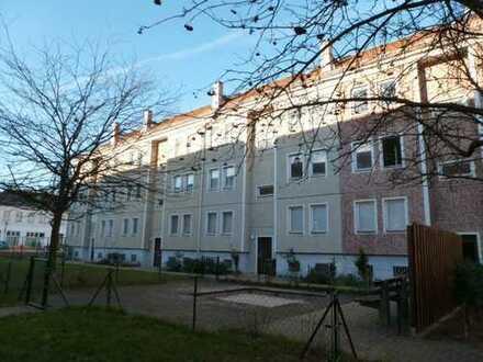 Frisch renovierte 2 Zimmer DG-Wohnung in FÜRSTENWALDE mit EBK