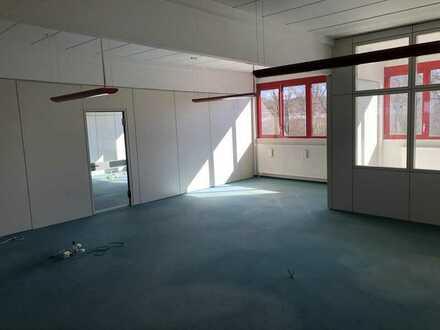Büro-/Praxisflächen