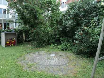 Maisonette ins Untergeschoss mit Gartenterrasse und eigenem Garten