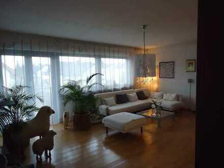 Moderne, lichtdurchflutete 3,5-Zimmer-Wohnung mit zwei Balkonen in Hainburg/Hainstadt