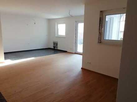Erstbezug einer 2-Zimmer-EG-Wohnung mit EBK und Terrasse