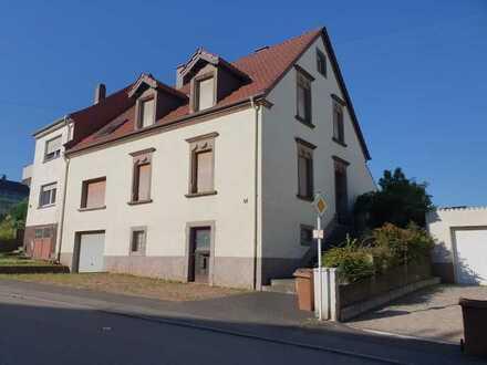 +++ Ein-bis Zweifamilienhaus mit Garten, Garage, Gewächshaus im Ortszentrum von Fehrbach+++