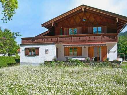 Rottach-Egern, freistehendes, großzügiges Landhaus, ruhige, zentrale Lage mit Panoramablick