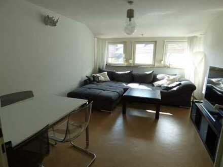 Helle 3-Zimmer-DG-Wohnung mit Einbauküche in Stuttgart-West