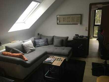 Nachmieter für schöne 2-Zimmer-Dachgeschosswohnung gesucht!