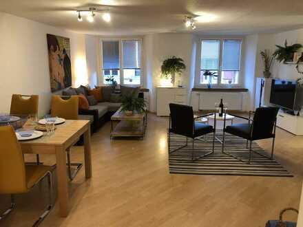 700 €, 90 m², 3,5 Zimmer