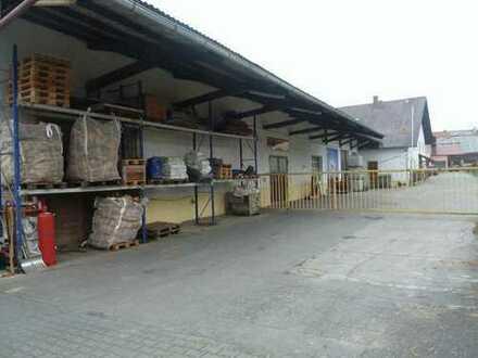 Gewerbehalle mit Außenlagerflächen und Bürotrakt im Raum Bad Griesbach