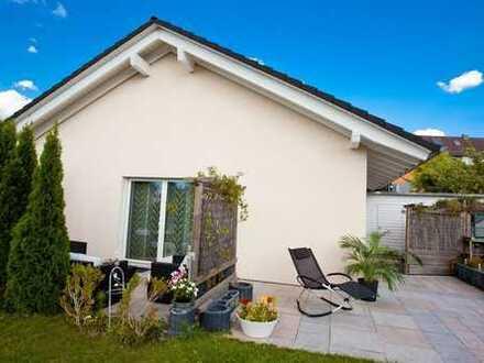 Ebenes Einfamilienhaus - 4 schöne Zimmer auf einer Ebene mit tollem Garten