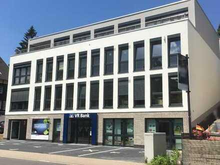 Gehobene Büroeinheit in neuem Bürokomplex