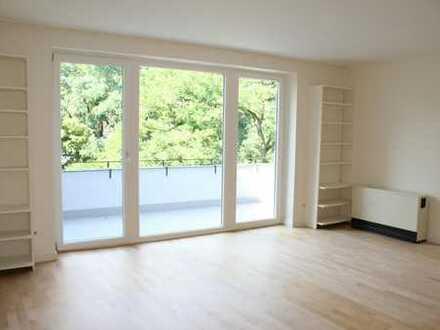 Penthouse im Zooviertel: ruhige Wohnung mit TG im Haus, Einbauküche, Parkett & großem Balkon