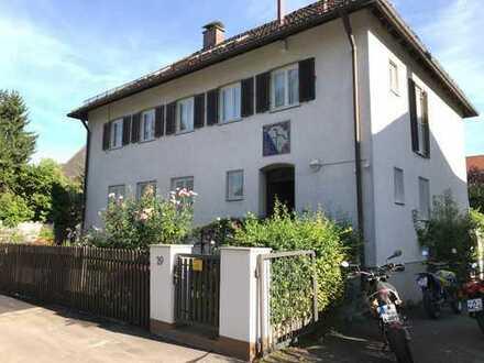 Zimmer in einem freistehenden Einfamilienhaus beim Wittelsbacher Park mit Gartennutzung