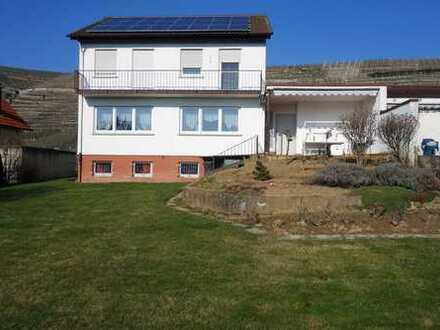 Einfamilienhaus in Weinberg- und Aussichtslage