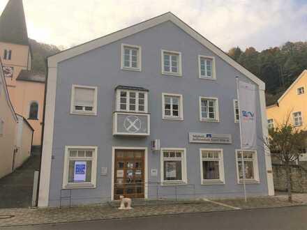 Schönes Wohn- und Geschäftshaus in Mörnsheim zu verkaufen