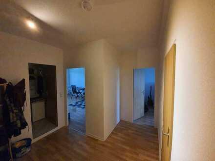Mitbewohner für 2-Personen WG gesucht, 3 Zimmer mit Balkon